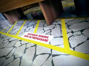 Nastro in PVC per marcatura pavimenti 50 mm (33 mt)